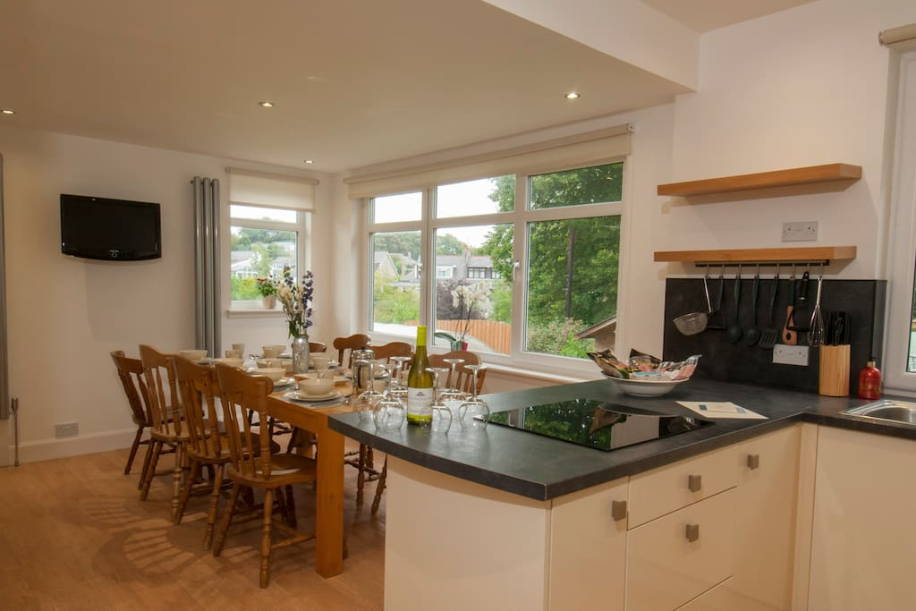 Luxury homely 4 bedroom viewfield house west end for Luxury kitchens scotland