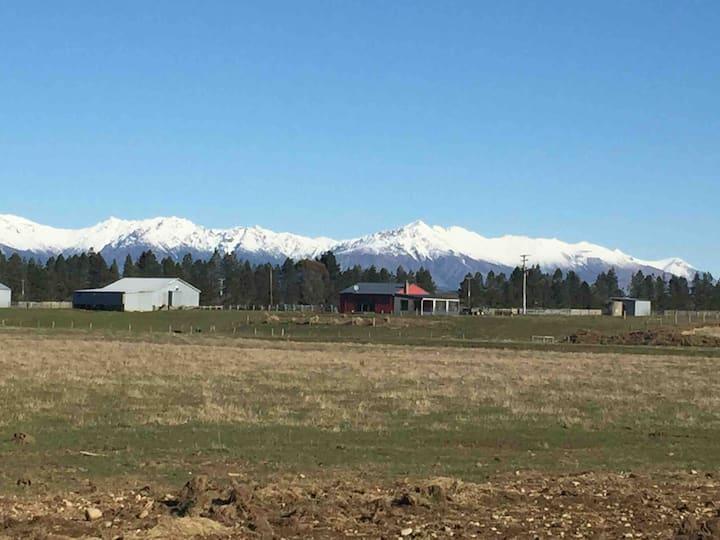 Fallow Valley farm stay great rural TeAnau getaway