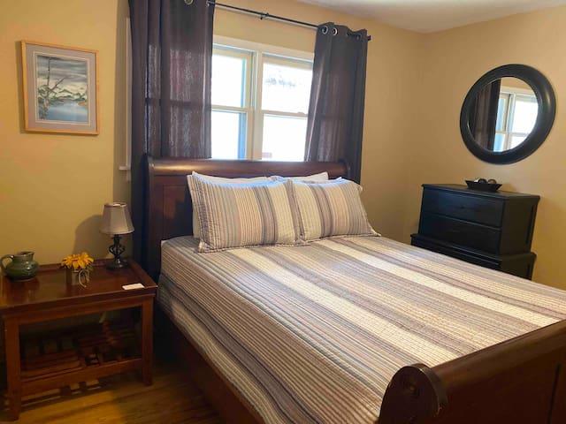 Bedroom #3 Queen size bed