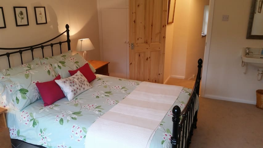 White Rose Cottage is in a very tranquil spot