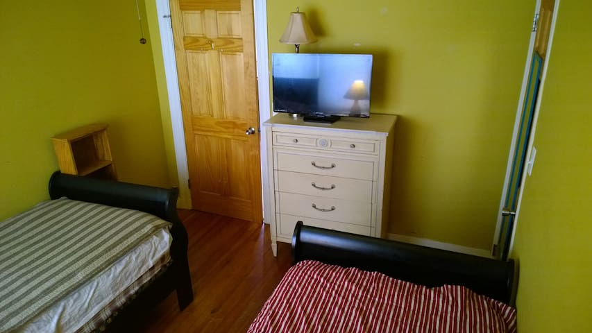 1or2beds in privateRoom nearDowntown&Brown