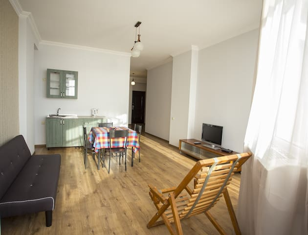 SUNNY SEA-VIEW apt. 20 m. FROM THE BEACH