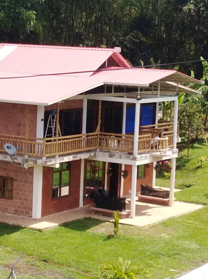 Casa Campo Lago Calima Cifuentes
