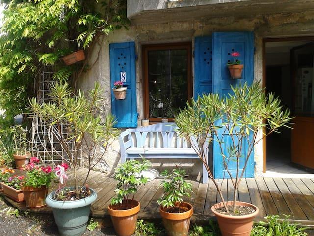Chambre double dans maison près lac et montagnes - Doussard - Haus