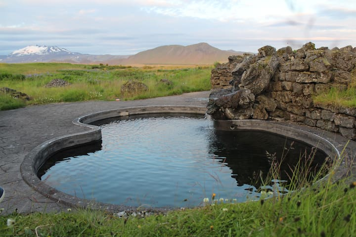 Cozy guesthouse with amazing view and Viking Pool