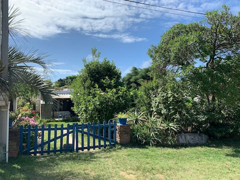 house 2 blocks from MACALI beach