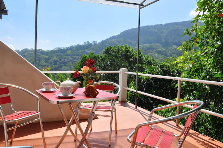 Jungle Breeze Apartment - Kandy - Huoneisto