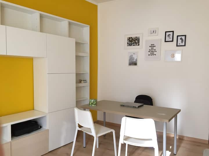 Functional Apt at only 10min from Central Station