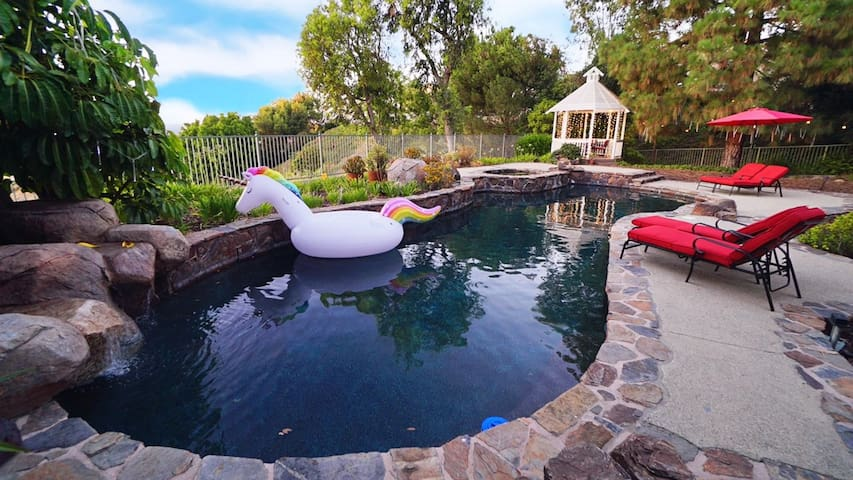 Secluded Romantic Getaway with Stunning NatureView