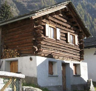 Cozy Chalet for 4 people