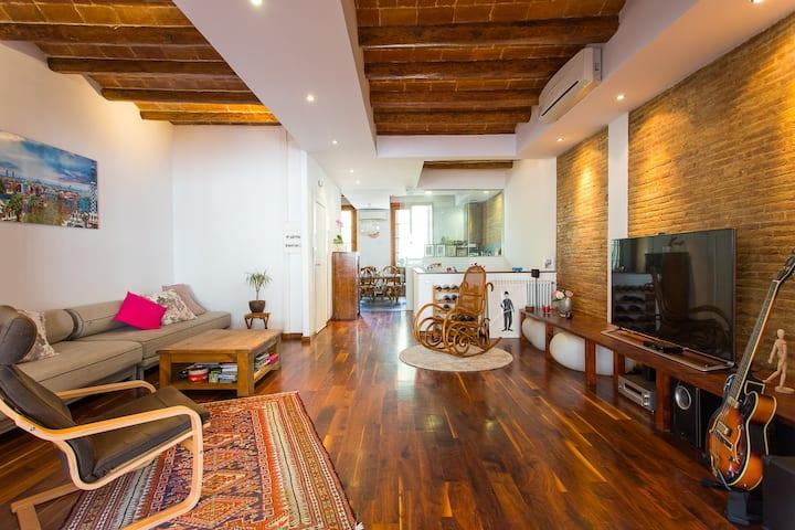 Designer Duplex Loft 253 sqm in Villa Olimpica