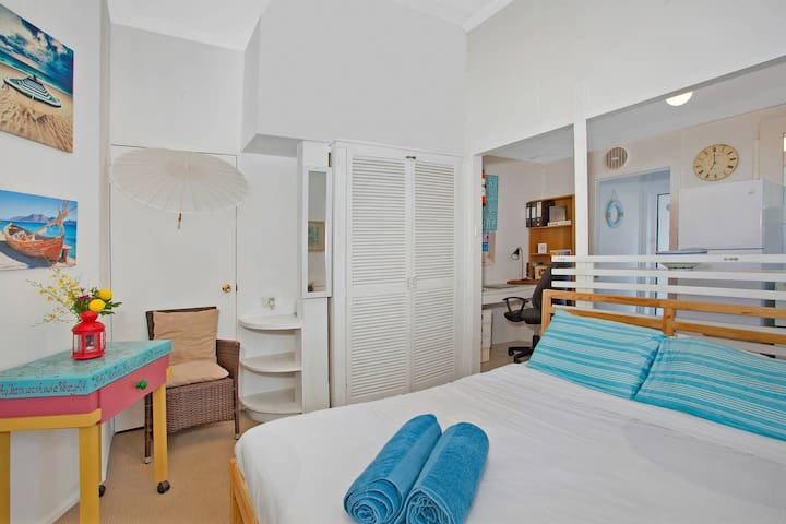 Best choice of direct beach accommodation in Manly