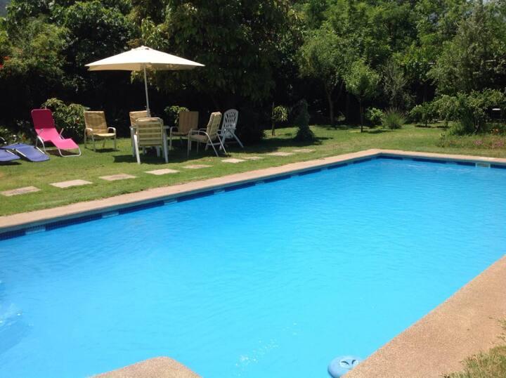 Casa en Olmue con piscina y amplio jardín