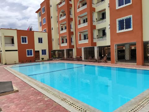 Joyce Luxury Apartment with Pool and Gym