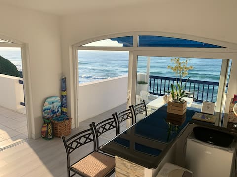 Beachfront Villa Perissa 33