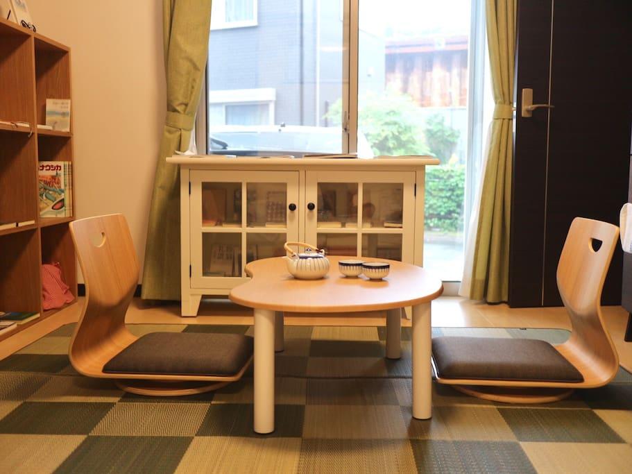 Private Livingroom (also as your private bookstore!)
