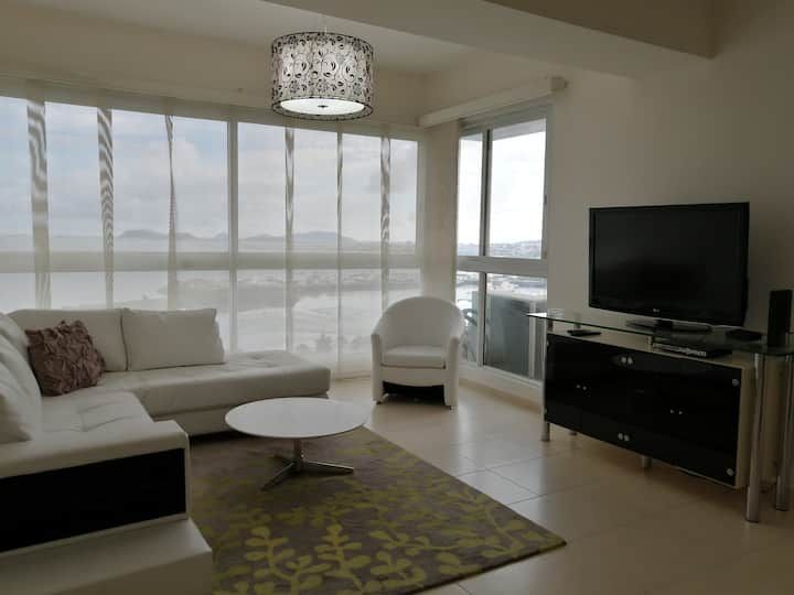 Excellent Apartment Ocean Front in Panama city