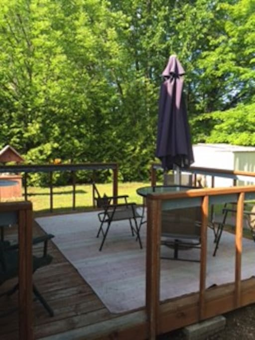 Back deck, off of master bedroom. Nice and private.