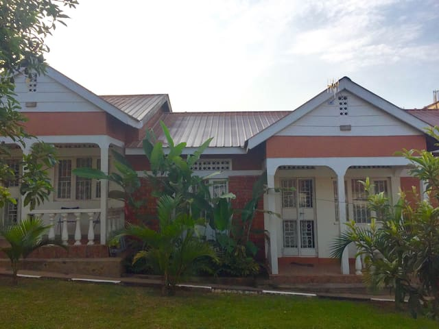 Gracious Bells Home Stays 3Bdrm - Kampala - House