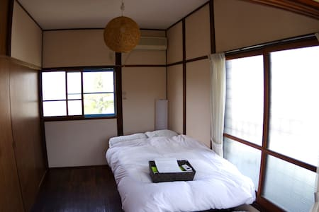 60 years old traditional Japanese wooden house - Kamakura-shi - House