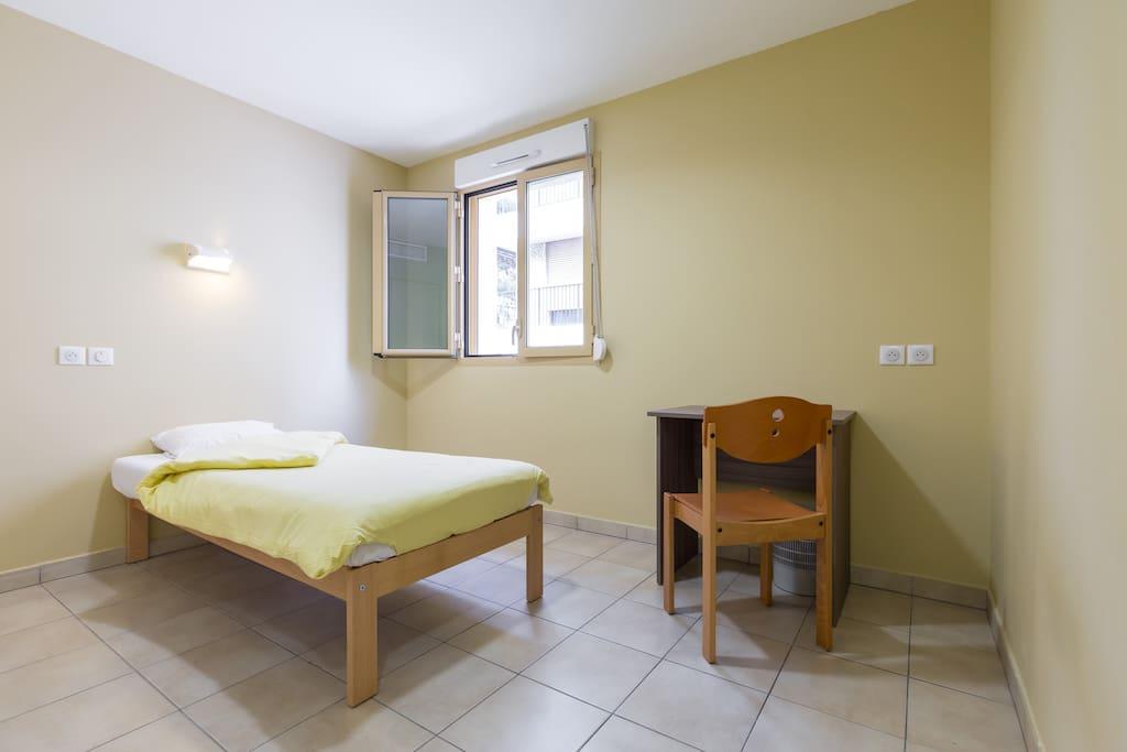 Single room 26 b b chambres d 39 h tes louer cannes - Chambre d hote cote d emeraude ...