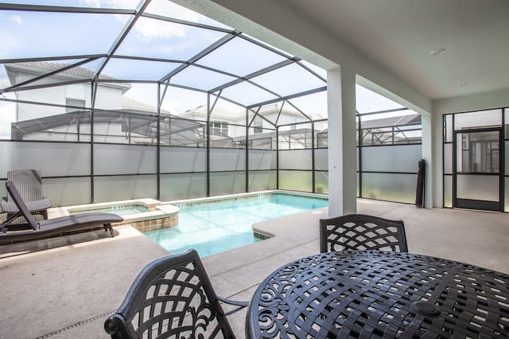 4774 - 6 Bedroom Pool Home Just Minutes from Disney!