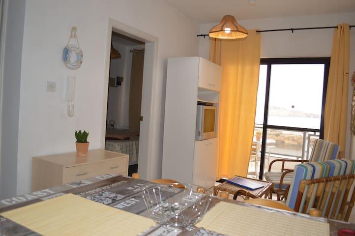 Cosy apt with stunning views w/WiFi - San Pawl il-Baħar - Wohnung