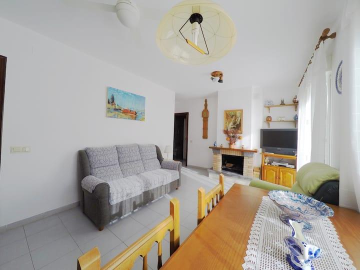 Comfortable apartment near the sea and Barcelona