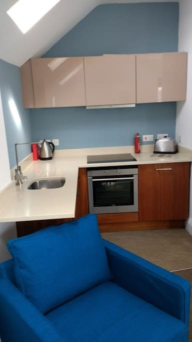 Siemens fitted kitchen with granite work surfaces