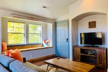The August - Riverside loft in the heart of Bend