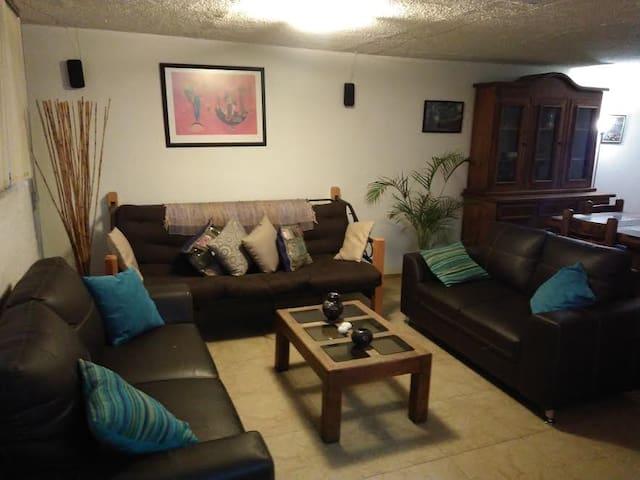 $240 MXN HABITACION PRIVADA CERCA PERISUR , UNAM