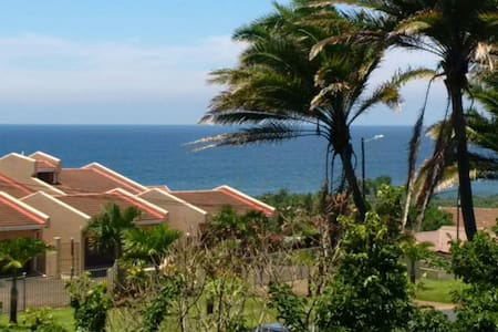 Beautiful sea view apartment close to the beach.