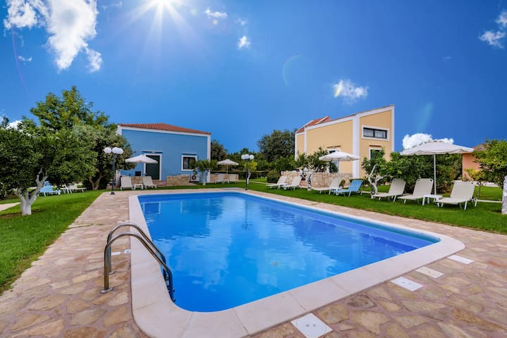 Athousakis Village 7, Amazing Shared pool !