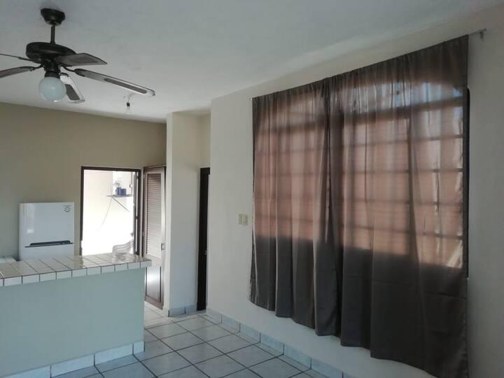 Habitación privada Conchita. c/baño. Con A/C.