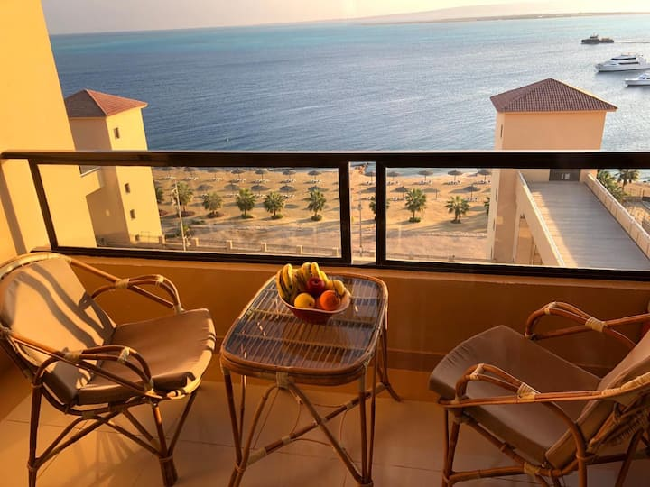 Cosy Sea View Studio - The Views Waterside