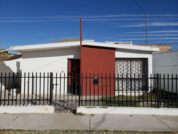 Casa Puerta Roja