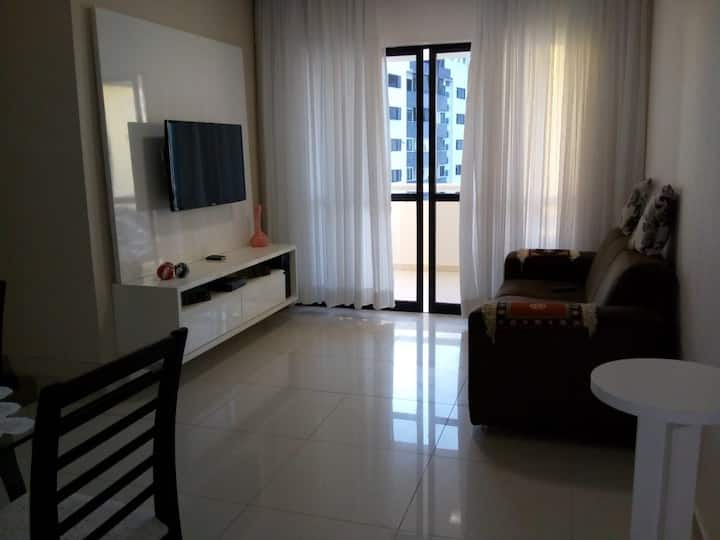 Apartamento próximo a orla do Costa Azul