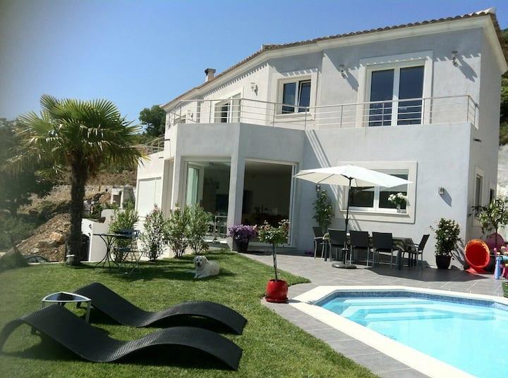 Villa vue mer - Piscine & Fitness - Proche Monaco