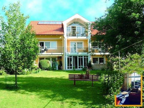 Appartementhaus Löwenzahn (Bad Füssing), Einraumappartement Nr. 4 (17,5qm) für eine Person mit Balkon