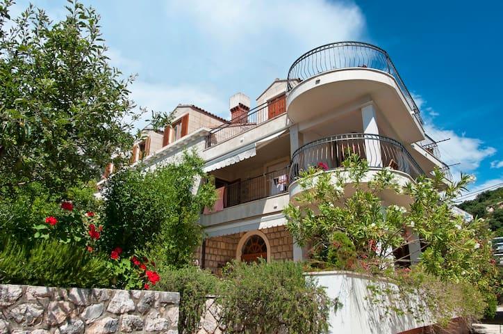 White apartment in beach frontVilla - Dubrovnik - Lakás
