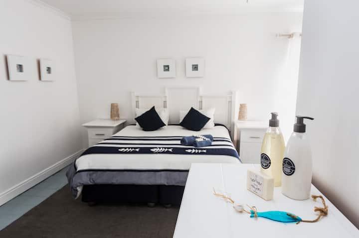Summer House B&B (Room 1)