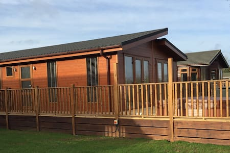 2 Bedroom Signature Lodge at Blossom Hill - Honiton