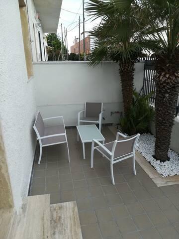 Nuovo Bilocale con giardino a due passi dal mare