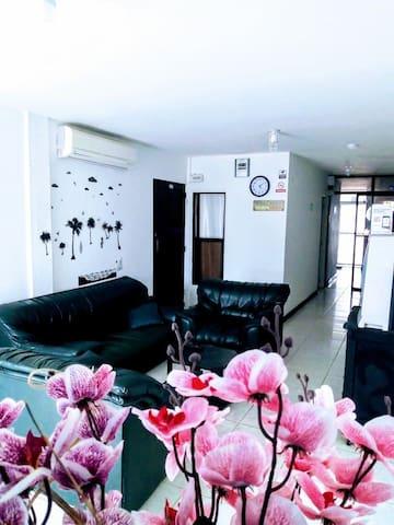 Habitación triple con baño privado + TV