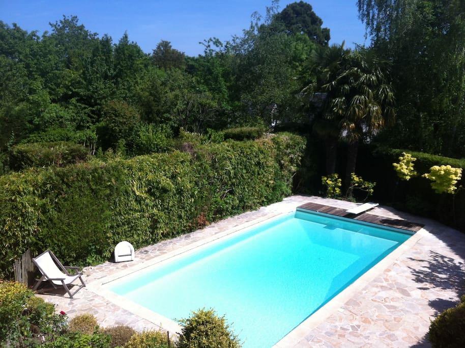 Maison jardin piscine entre paris et versailles houses for Piscine ile de france