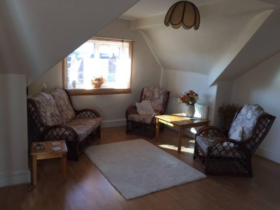 A spacious lounge area....