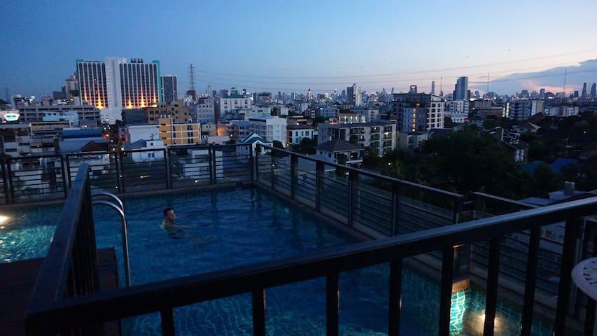 ☆ COZY & Private room ♡ MRT/Wifi/Pool/Gym!
