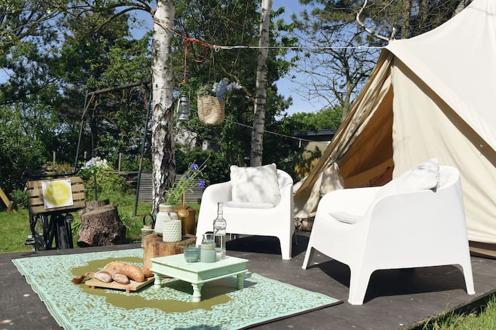 Charming Tent Lodge in Callantsoog near Beach