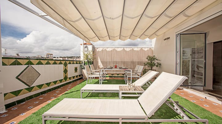 Beach Terrace Penthouse, Central