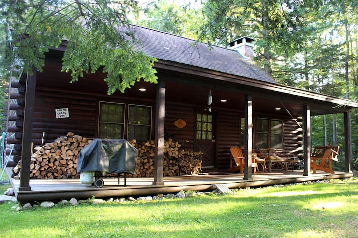 Cozy Log Cabin Between Mount Snow and Stratton - Wardsboro - Hytte